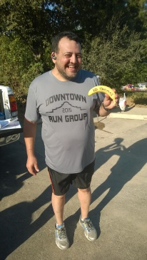20151017-thomas-celebrated-his-1st-ever-10-mile-run-with-the-big-deal-banana-pose